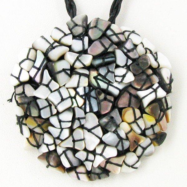 4: Shell Choker Necklace EST: $72 - $144 (JEW-3308)