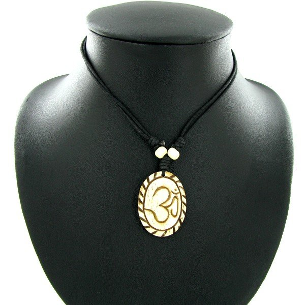 11: Tibet Handfcarved Bone Pendant Choker Necklace EST:
