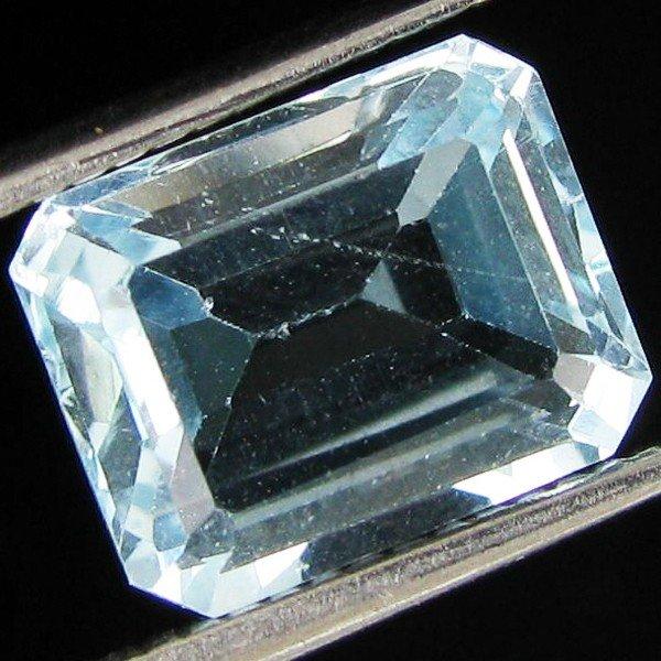 61: 4.57ct Sky Blue Topaz Emerald