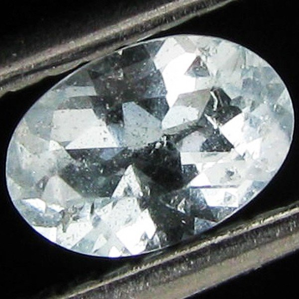 6A: 0.5ct Blue Topaz Oval