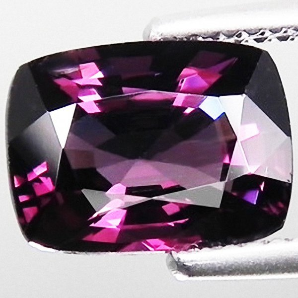 31A: 3.50ct Top Purple Pink Spinel