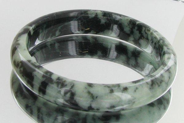 3: 335ct Top Burma Jade Bracelet EST: $195 - $390 (JEW-
