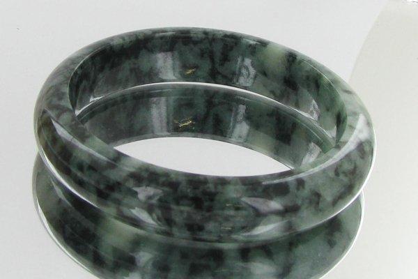 19: 360ct Top Burma Jade Bracelet