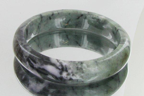 57: 340ct Top Burma Jade Bracelet