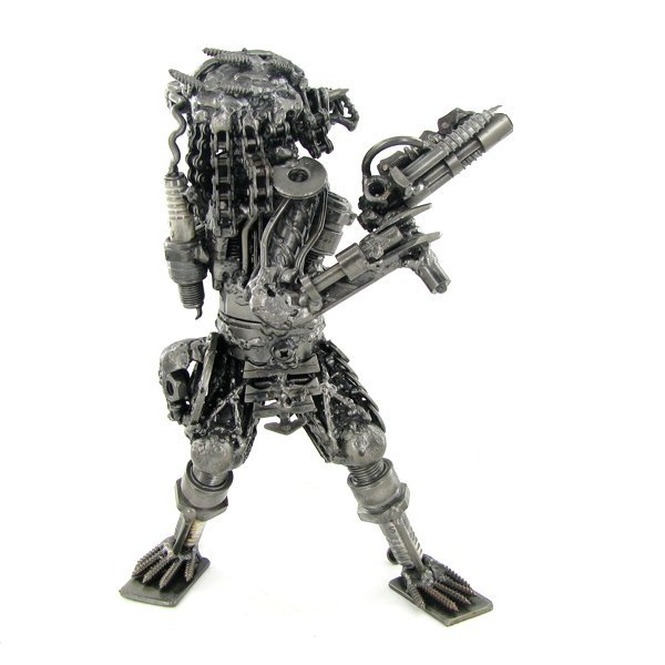 900: Artist Crafted Movie Figure From Steel - 2