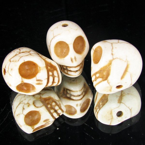 80ct White Howlite Skull Parcel