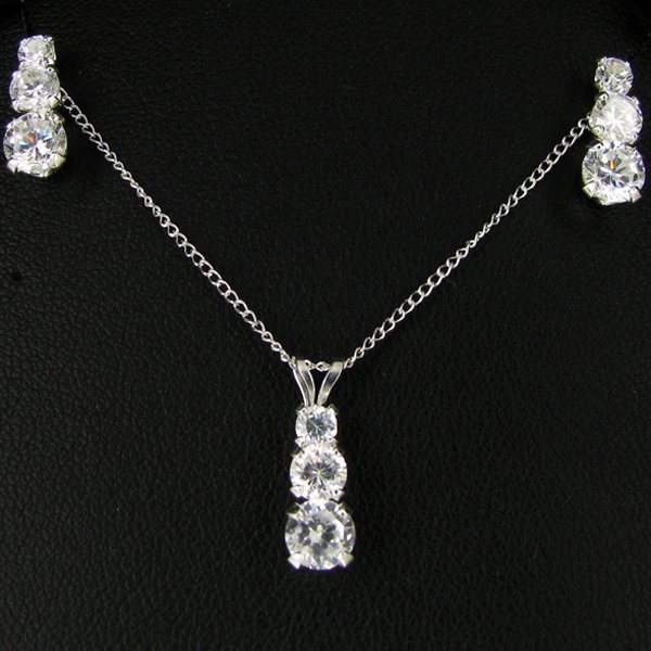14.94twc CZ Sterling Pendant Earring Chain Set