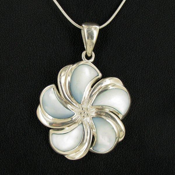 78twc MOP Sterling Flower Necklace