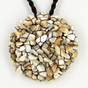 Shell Choker Necklace