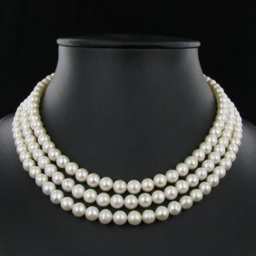 White Small Saltwater Pearl Necklace