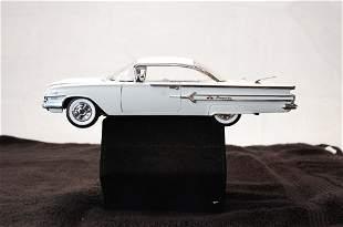 FRANKLIN MINT 1960 CHEVROLET IMPALA SPORT COUPE WHITE
