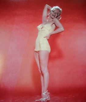 12: Marilyn Monroe, bathing suit 50's