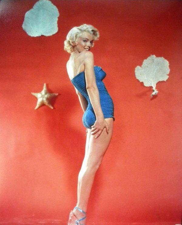 13: Marilyn Monroe, bathing suit 50's