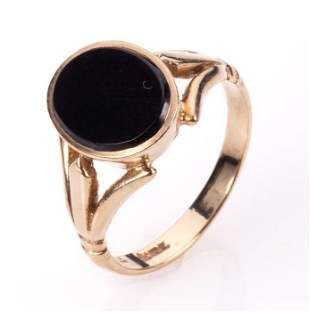 NO RESERVE PRICE 9ct Gold Onyx Signet Ring