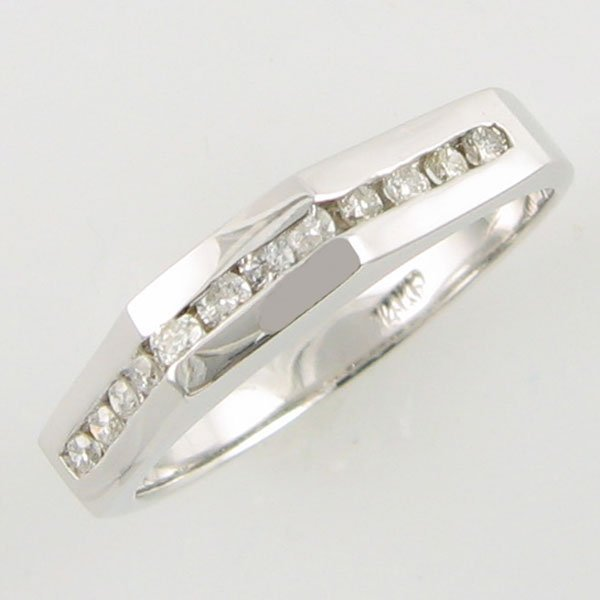 3021: 14KT .24 CT DIAMOND ANNIVERSARY GOLD RING SZ 6.75