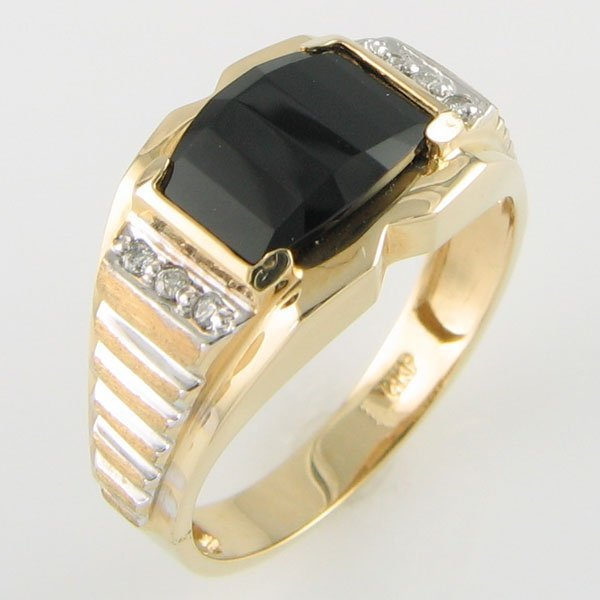 3127: 14KT MEN'S ONYX DIAMOND GOLD RING 0.06TCW SIZE11