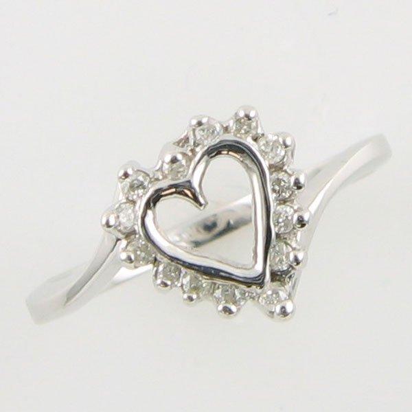 4012: 14KT HEART DIAMOND GOLD RING 0.14 TCW SIZE 6