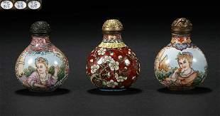 Painted enamel snuff bottle in Qing Dynasty