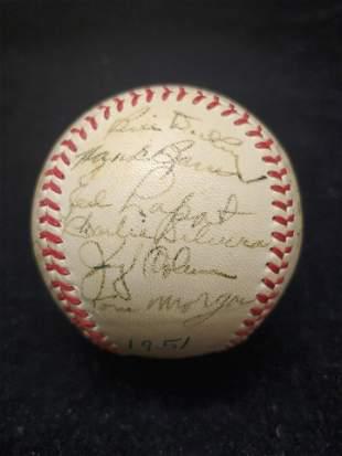 1951 NY YANKEES TEAM-SIGNED BALL INC. JOE DIMAGGIO +
