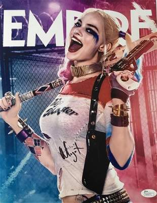 Autograph Signed Margot Robbie Photo