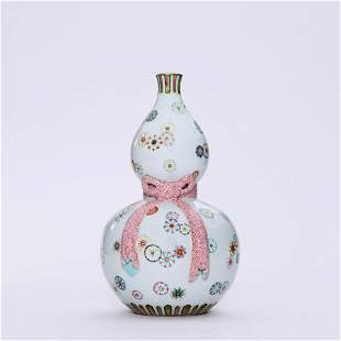 A Famille Rose Double-Gourd-Shaped  Vase