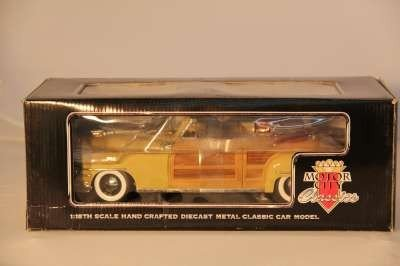 6: 1:18 MOTOR CITY 1948 CHRYSLER TOWN & COUNTRY 1998