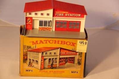 493: MATCHBOX MF-1 GARAGE ORIGINAL BOX