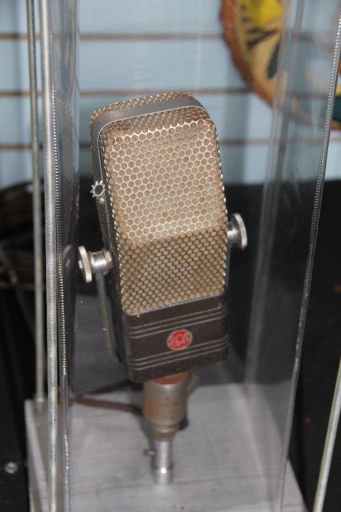 Velocity Microphone-RCA
