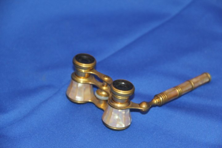 Vintage Brass and Mother of Pearl Telescopic Opera Glas
