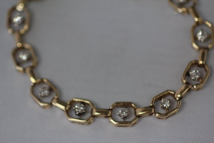Gold and Diamond Ladies Bracelet