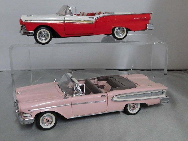 Pair of Franklin Mint Cars