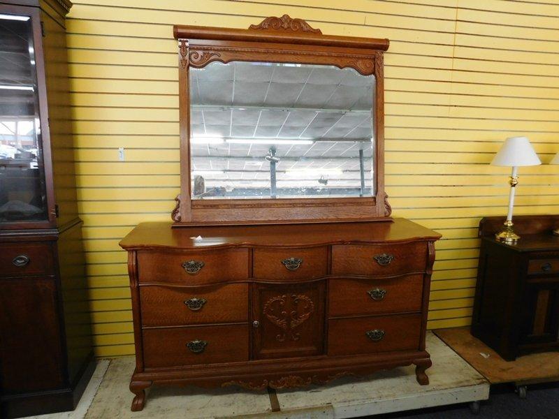 Lexington Furniture Company Dresser with Mirror