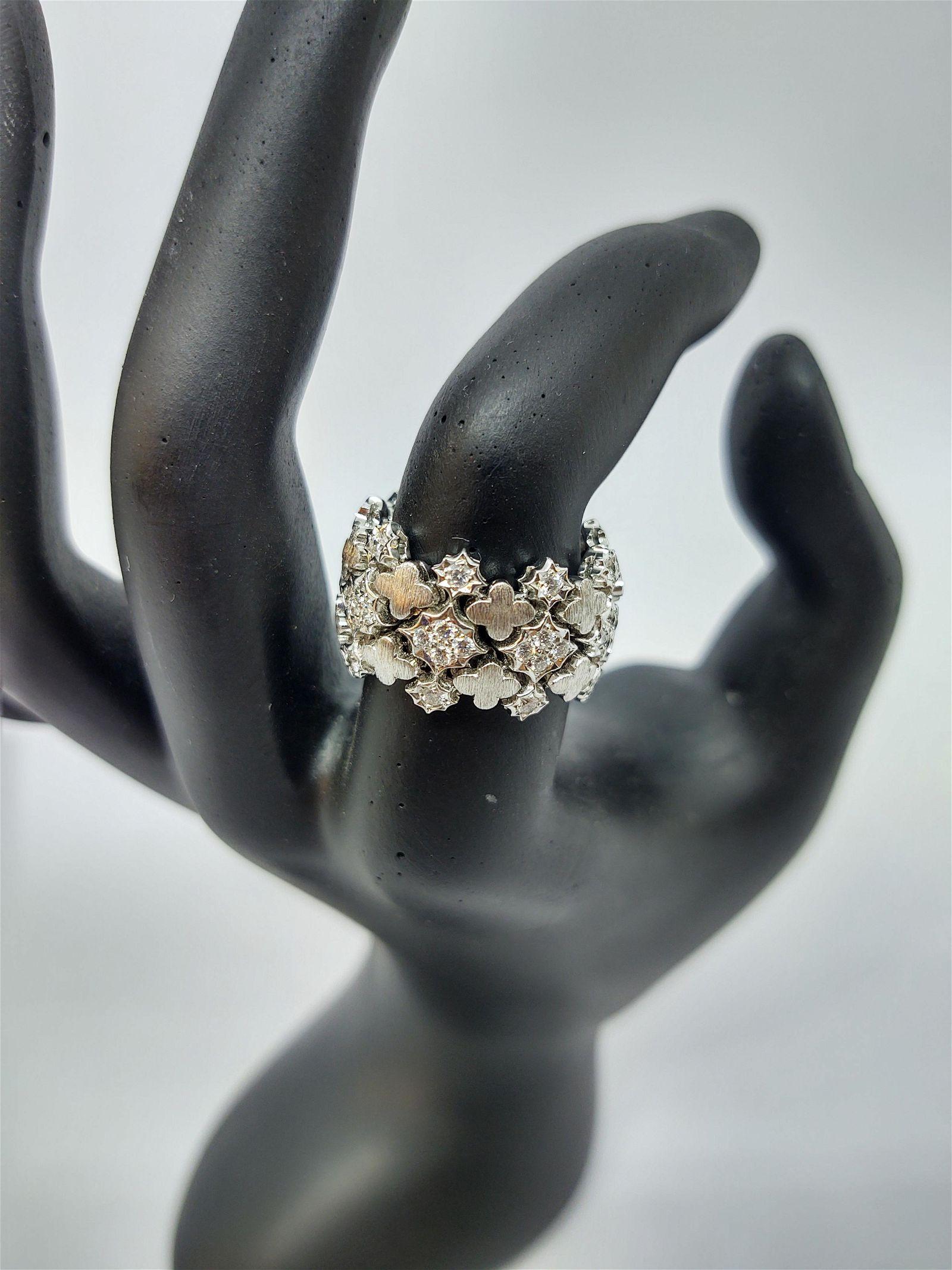 18 k White Gold Eternity Band Ring