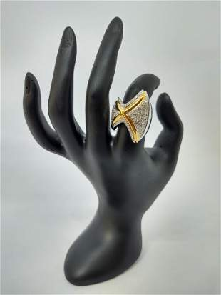 18 k Gold Ring set in Diamonds