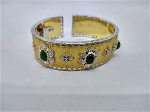 Emerald Cuff Bracelet in 18 k Gold