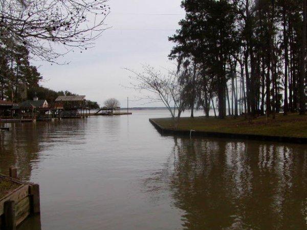 6A: LAKE LIVINGSTON TEXAS AREA, CREEK,UTILITIES, ROAD