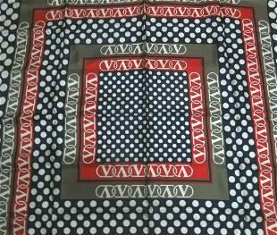 silk scarf Valentino 100% silk scarf