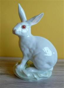Herend  hand painted tall rabbit