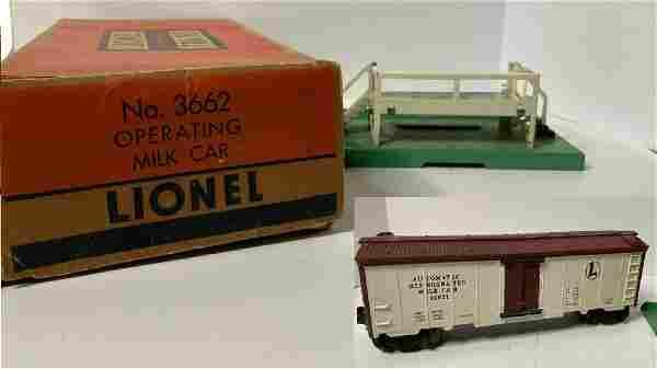 LIONEL TRAIN SET 3662 POSTWAR Operating Milk Car