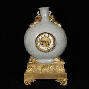 Qing porcelain clock bottle