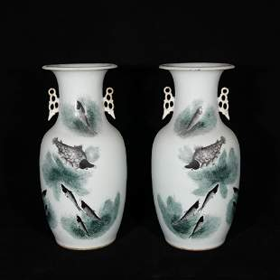a pair of late Qing style porcelain vases