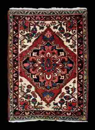 """Semi-antique 3' 8"""" x 2' 7"""" Persian Heriz Scatter Rug"""