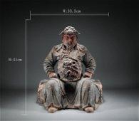 Muddy foetus Guan Gong made a statue