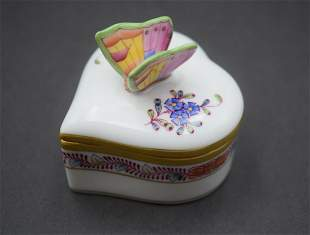 HEREND HUNGARY PORCELAIN HAND PAINTED TRINKET BOX