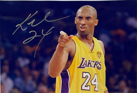 Autograph Signed Kobe Bryant Photo