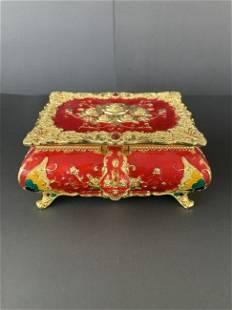 Beautiful jewelery box with mirror Benesifit