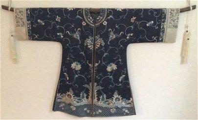 Antique Chinese Embroidered Robe/Jacket/Kimono