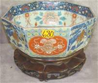 680: IMARI POTTERY OCTAGONAL BOWL ON STAND, 19thC