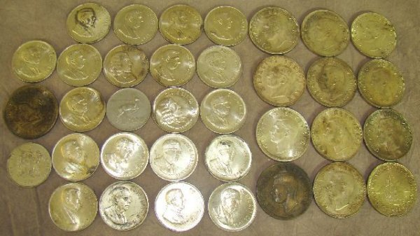 958: LOT SILVER CROWNS AND R1 COINS