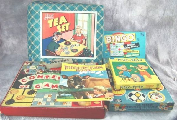 18: COLLECTION VINTAGE BOARD GAMES, PUZZLE BOOK ETC